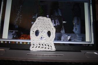 Gurning skull motif